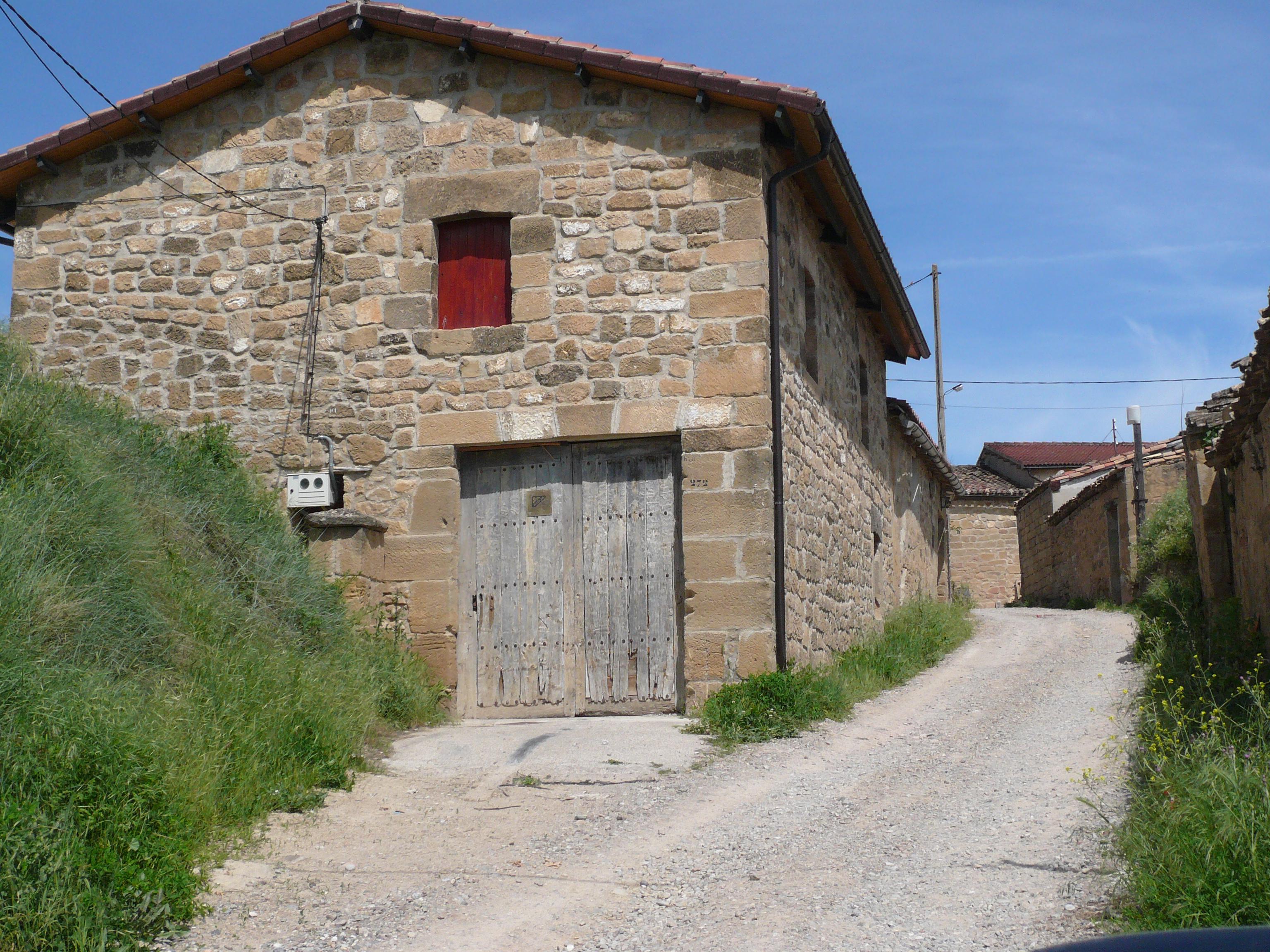 LR_6_2_1_Barrio-de-bodegas-de-San-Asensio.jpg